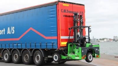 SAWO har leveret Danmarks første el-medbringertruck til C.M. Transport A/S