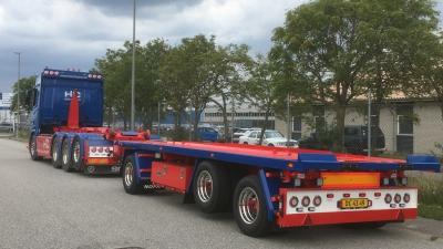 Containerpåhængsvogn er kørt til Værløse